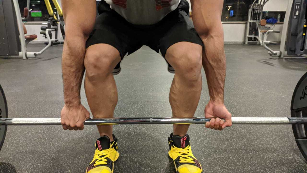 Mixed deadlift grip